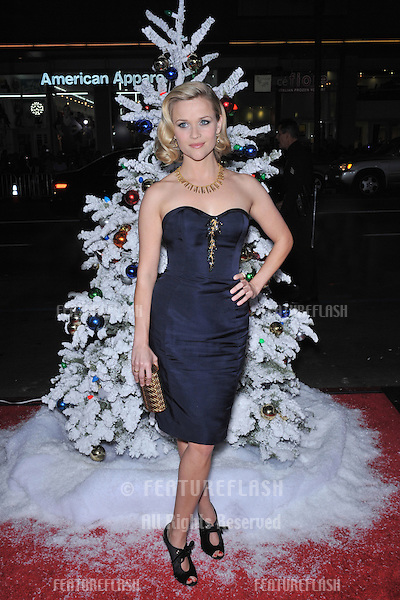 """Reese Witherspoon at the world premiere of her new movie """"Four Christmases"""" at Grauman's Chinese Theatre, Hollywood..November 20, 2008  Los Angeles, CA.Picture: Paul Smith / Featureflash"""