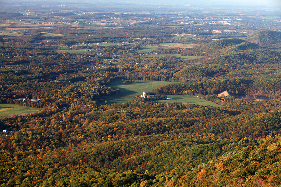 The Blue Ridge mountains scenic views of Shenandoah Valley.