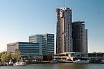 Gdynia, (woj. pomorskie) 20.07.2016. Sea Towers (Morskie Wieże) – kompleks składający się z dwóch wieżowców zlokalizowany centrum Gdyni, w tzw. Nadmorskiej Strefie Prestiżu Miejskiego obok Skweru Kościuszki.