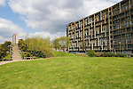 ROBIN HOOD GARDENS GARDEN EAST LONDON E14 STOCK PHOTOGRAPHY PHOTOS IMAGES  SOCIAL HOUSING ESTATE UK