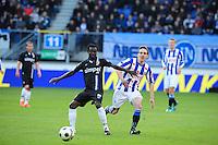 VOETBAL: HEERENVEEN: Abe Lenstra Stadion, SC Heerenveen - Vitesse, 21-01-2012, Eindstand 1-1, Anthony Annan (#20), Sven Kums (#10), ©foto Martin de Jong