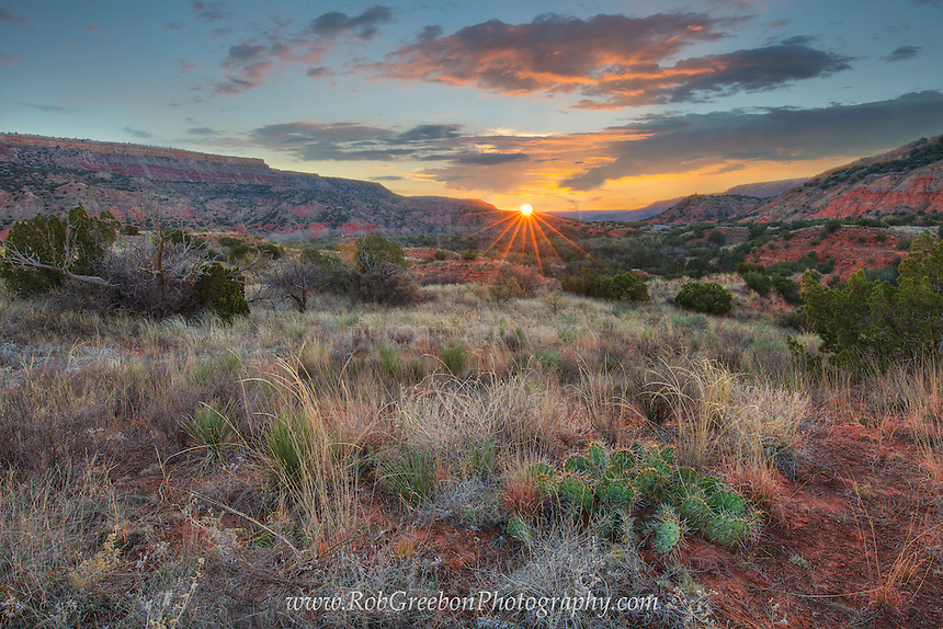 The temperature was in the low 20s on this figid November morning at Palo Duro Canyon State Park. When the sun finally crested the distant ridge, you could feel the instant warmth start to spread across the landscape in this rugged part of Texas.