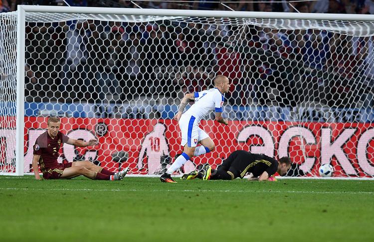 FUSSBALL EURO 2016 GRUPPE B IN LILLE Russland - Slowakei     15.06.2016 Vladimir Weiss (Slowakei) dreht nach dem Tor zum 0:1 jubelnd ab