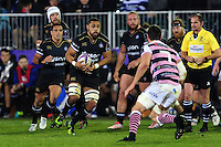 Taulupe Faletau of Bath Rugby in possession. European Rugby Challenge Cup match, between Bath Rugby and Cardiff Blues on December 15, 2016 at the Recreation Ground in Bath, England. Photo by: Patrick Khachfe / Onside Images