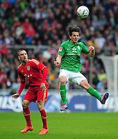 FUSSBALL   1. BUNDESLIGA   SAISON 2011/2012   32. SPIELTAG SV Werder Bremen - FC Bayern Muenchen               21.04.2012 Franck Ribery (li, FC Bayern Muenchen) gegen Aleksandar Stevanovic (re, SV Werder Bremen)