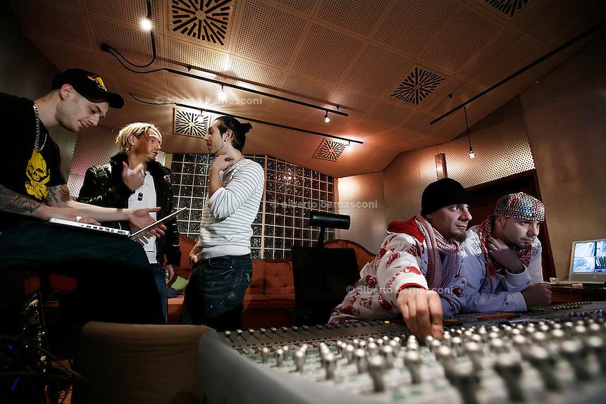 Milano besto sound studio i gemelli diversi da sn grido - Gemelli diversi milano ...