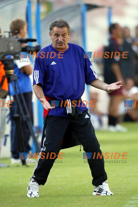 MESSINA 05-09-2004<br /> TRIANGOLARE MEMORIAL G. FRANZA<br /> REGGINA - MESSINA - FIORENTINA<br /> <br /> Fiorentina Trainer Emiliano Mondonico <br /> <br /> Foto Snapshot / Insidefoto