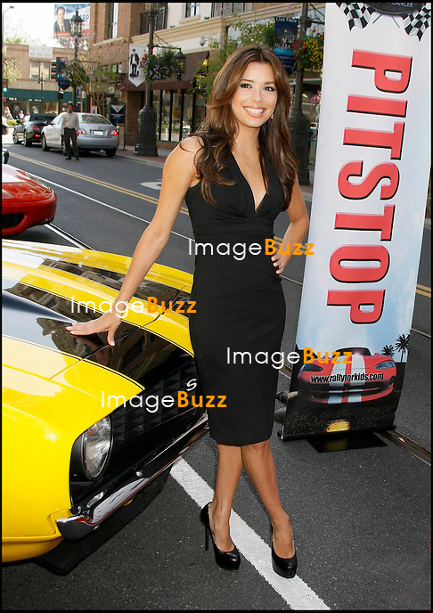 """EVA LONGORIA - CONFERENCE DE PRESSE """"RALLY FOR KIDS WITH CANCER"""" A LOS ANGELES...PRESS CONFERENCE """"RALLY FOR KIDS WITH CANCER"""".LOS ANGELES"""