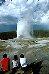 WY: Wyoming; Yellowstone National Park, Old Faithful, geyser .Photo Copyright Lee Foster, lee@fostertravel.com, www.fostertravel.com, (510) 549-2202.Image: wyyell202