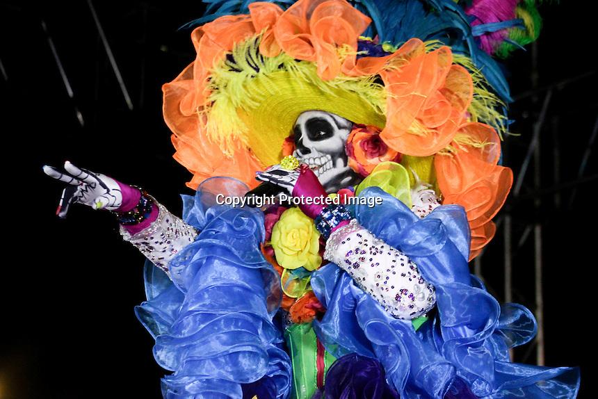 """OBTURA....01 DE NOVIEMBRE DE 2012....SE PRESENTA EN SAN JUAN DEL RIO ERICK DE LUNA CON EL ESPECTACULO DE """"LA CATRINA"""".....FOTO ALFRO MTZ"""