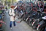 Nederland, Utrecht, 11-04-2011 Openbare en onbewaakte  fietsenstalling bij Centraal Station.  FOTO: Gerard Til / Hollandse Hoogte