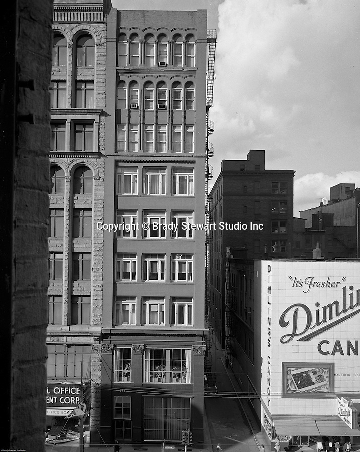 Gamble building and dimling 39 s candy on liberty avenue for Floor 2 pittsburgh