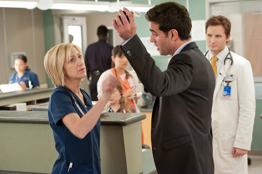 Edie Falco as Jackie Peyton, Bobby Cannavale as Dr. Mike Cruz, and Peter Facinelli as Dr. Cooper in Nurse Jackie (Season 4, episode 10) - Photo: David M. Russell/SHOWTIME - Photo ID: nurse_jackie_410_0170