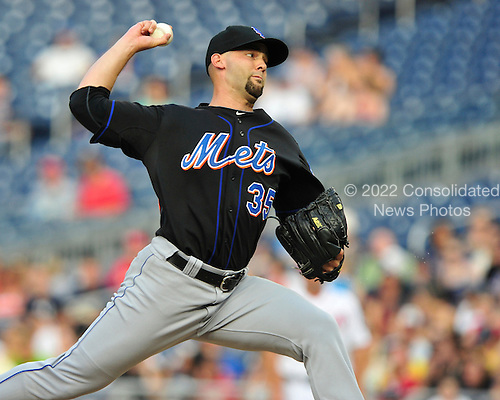 New York Mets pitcher Dillon Gee (35) pitches in the first inning against the Washington Nationals at Nationals Park in Washington, D.C. on Friday, July 29, 2011..Credit: Ron Sachs / CNP.(RESTRICTION: NO New York or New Jersey Newspapers or newspapers within a 75 mile radius of New York City)