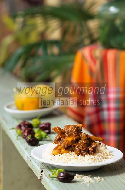 Europe/France/DOM/Antilles/Petites Antilles/Guadeloupe/Morne-à-l'Eau : Pitt de Belair - Colombo de poulet sur la terrasse de Mme Belair Dolores