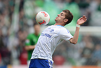 FUSSBALL   1. BUNDESLIGA   SAISON 2012/2013    28. SPIELTAG SV Werder Bremen - FC Schalke 04                          06.04.2013 Roman Neustaedter (FC Schalke 04) Einzelaktion am Ball