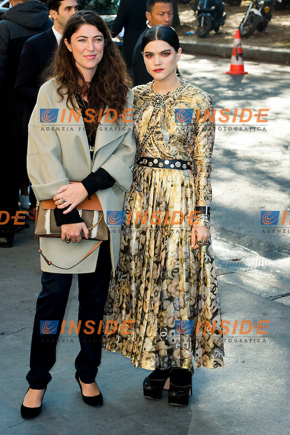 Stephanie di Giusto et Stephanie Sokolinski / Soko Chanel s fashion show arrivals - Paris - 04/10/2016 <br /> Foto Panoramic / Insidefoto