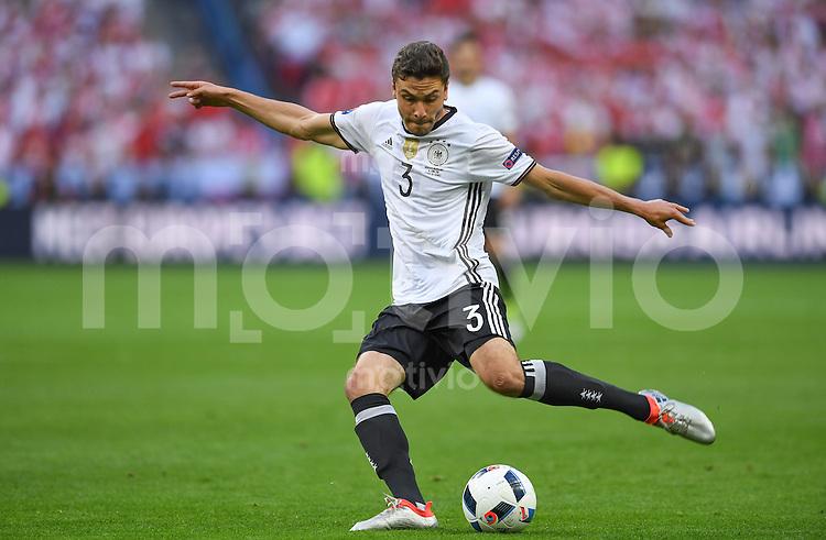 FUSSBALL EURO 2016 GRUPPE C IN PARIS Deutschland - Polen    16.06.2016 Jonas Hector (Deutschland)