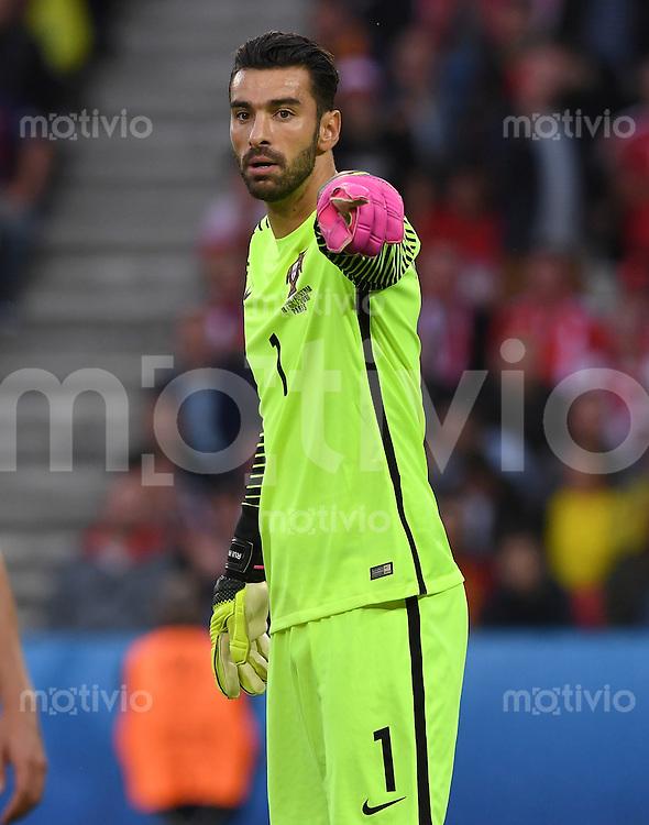 FUSSBALL EURO 2016 GRUPPE F IN PARIS Portugal - Oesterreich      18.06.2016 Torwart Rui Patricio (Portugal)