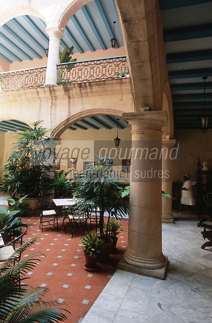 Cuba/La Havane: Patio de l'hôtel Santa Isabel, Plaza de armas
