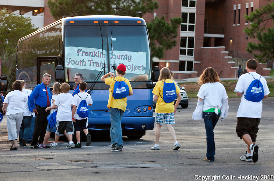 TALLAHASSEE, FLA. 9/7/10-MILK PARTY 090710 CH-Franklin County children board their bus to return home after the Children's Movement of Florida Milk Party Tuesday night in Tallahassee...COLIN HACKLEY PHOTO