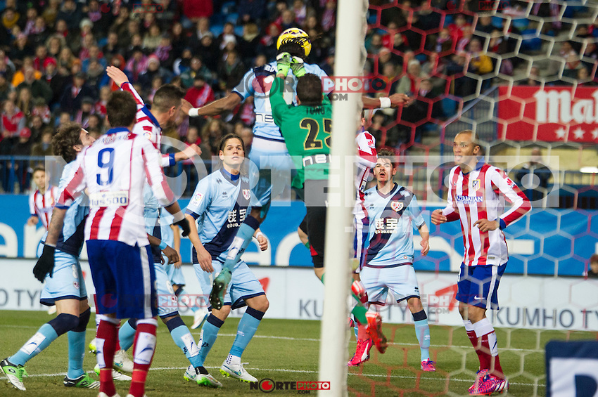 Atletico de Madrid&acute;s Mario Mandzukic and Guilherme Siqueira and Rayo Vallecano&acute;s Tono Rodriguez and Abdoulaye Ba during 2014-15 La Liga match between Atletico de Madrid and Rayo Vallecano at Vicente Calderon stadium in Madrid, Spain. January 24, 2015. (ALTERPHOTOS/Luis Fernandez) /NortePhoto<br />