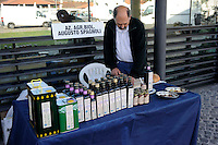 21 Giugno 2009. L' Altradomenica e Biomercato  alla Città dell'Altra Economia a Testaccio.con mercato di produttori di agricoltura biologica. Azienda Agricola Biologica  di Augusto Spagnoli produttore di olio biologico