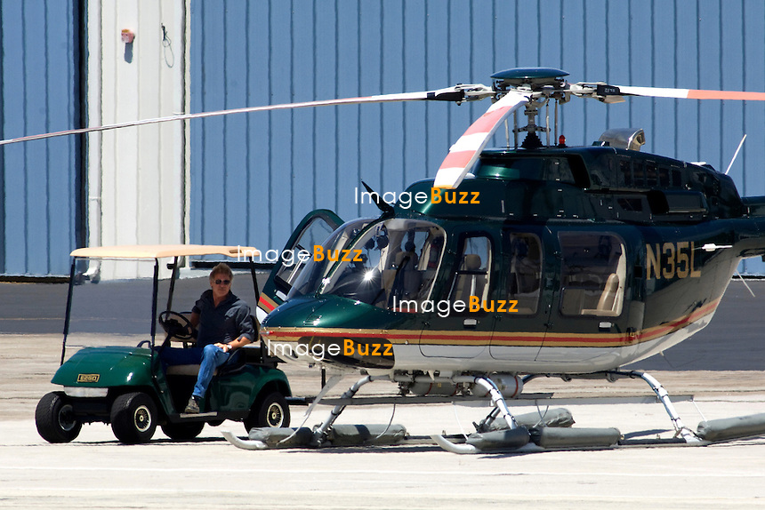 los angeles helicopters with I0000rohcgnggjtm on HH 65 Dolphin together with File McDonnell Douglas MD 600N  Los Angeles County Sheriff 27s Department AN0387024 further executive Helishares together with 87352999800 besides Charlie Sheens Car Stolen Pushed Cliff.