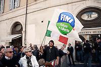 Roma 5 Aprile 2010.Democrazia Day .Sit-in del Popolo viola in Piazza Montecitorio «contro le leggi ad personam», organizzata in concomitanza col voto in Aula sul conflitto di attribuzione. Un manifestante con la bandiera di Futuro e Liberta' il partito di Gianfranco Fini