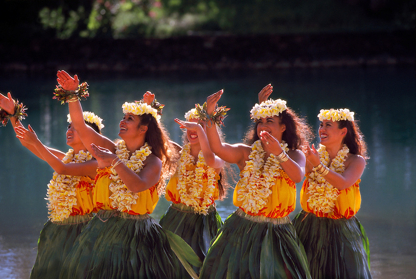 The Hawaiian Hula Dance: 10 facts you may not already know - Go ...