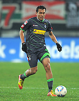 FUSSBALL   1. BUNDESLIGA  SAISON 2011/2012   16. Spieltag FC Augsburg - Borussia Moenchengladbach            10.12.2011 Juan Arango (Borussia Moenchengladbach)