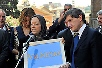 Roma 29 Luglio 2009.Maryam Rajavi, Presidente del Consiglio nazionale della resistenza iraniana, ricevuta in Campidoglio dal sindaco di Roma Gianni Alemanno. La Targa che ricorda Neda La ragazza uccisa in Iran a cui il comune  dedica una strada  nella città di Roma..Maryam Rajavi, president elect  of the National Council of Resistance of Iran received in the Capitol by the mayor of Rome Gianni Alemanno.The plaque which commemorates Neda, killed the girl in Iran, which the town dedicated a street in the city of Rome