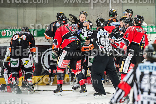 18.01.2013, Tiroler Wasserkraft Arena, Innsbruck, AUT, EBEL, HC TWK Innsbruck vs Graz 99ers, 43. Runde, im Bild Massenrauferei mit Taylor Holst, (Graz 99ers, #94), Antonin Manavian, (HC TWK Innsbruck, # 13), Kevin Moderer, (Graz 99ers, #72), Craig Switzer, (HC TWK Innsbruck, # 04) // during the Erste Bank Icehockey League first Round match betweeen HC TWK Innsbruck and Graz 99ers at the Tiroler Wasserkraft Arena, Innsbruck, Austria on 2013/01/18. EXPA Pictures © 2013, PhotoCredit: EXPA/ Eric Fahrner