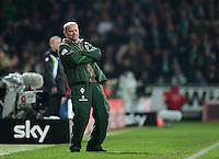 FUSSBALL   1. BUNDESLIGA  SAISON 2011/2012  30. SPIELTAG 10.04.2012 SV Werder Bremen - Borussia Moenchengladbach  Trainer Thomas Schaaf (SV Werder Bremen) enttaeuscht