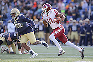 Annapolis, MD - December 3, 2016: Temple Owls wide receiver Adonis Jennings (17) runs the ball during game between Temple and Navy at  Navy-Marine Corps Memorial Stadium in Annapolis, MD.   (Photo by Elliott Brown/Media Images International)