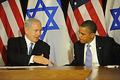 Prime Minister Benjamin Netanyahu of Israel, left, and United States President Barack Obama, right, shakes hands after the Prime Minister's statement to the pool prior to meeting Wednesday, Sept. 21, 2011 at United Nations Headquarters in New York, New York..Credit: Aaron Showalter / Pool via CNP