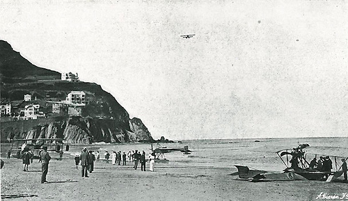 Vuelo de un hidroplano sobre la concha. ©Hugelmann, 1913