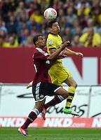 FUSSBALL   1. BUNDESLIGA  SAISON 2012/2013   2. Spieltag 1. FC Nuernberg - Borussia Dortmund       01.09.2012 Timothy Chandler (li, 1 FC Nuernberg) gegen Robert Lewandowski (Borussia Dortmund)