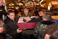 Kiev, Ukraine, 25/12/2004..The third and final round of Ukraine's disputed Presidential election. Funeral of a Yushchenko supporter who died while camping on the streets.