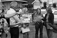 "Actress Jodie Foster, age 14, working on location in ""Americans,"" a documentary by British producer/director Desmond Wilcox. Los Angeles, June, 1977. Photo by John G. Zimmerman. P94427-C05-F6A."
