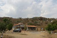 Building the Wiseman house, San Jose los Laureles, Mexico