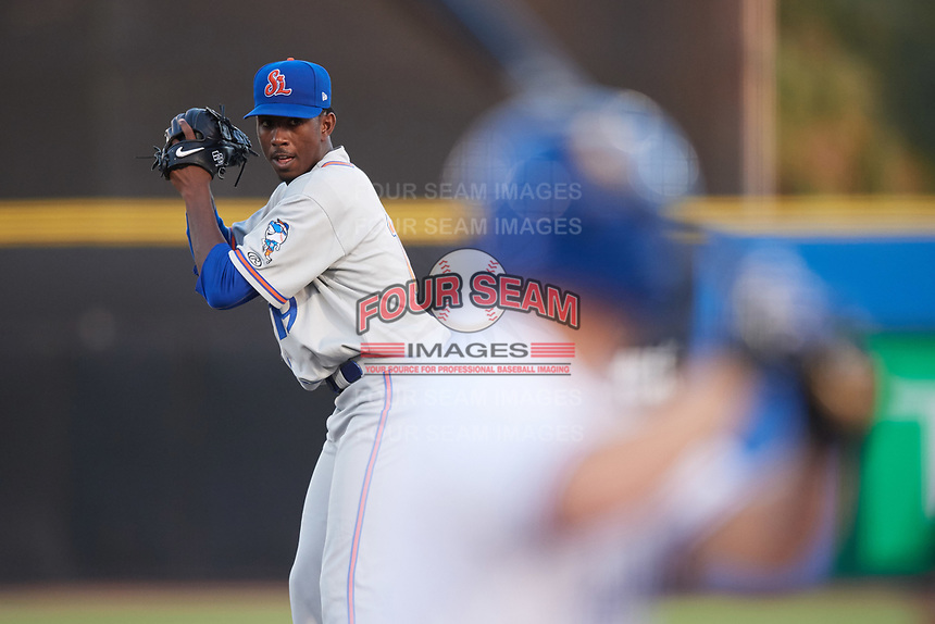 St. Lucie Mets starting pitcher Justin Dunn (19) gets ready to deliver a pitch during a game against the Dunedin Blue Jays on April 20, 2017 at Florida Auto Exchange Stadium in Dunedin, Florida.  Dunedin defeated St. Lucie 6-4.  (Mike Janes/Four Seam Images)