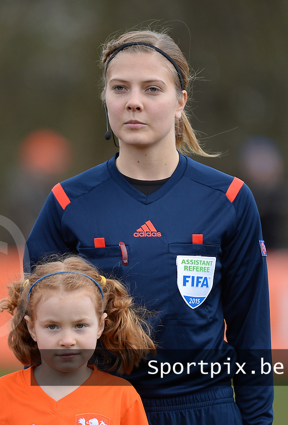 20150404 - MEERSSEN , Netherlands :<br /> <br /> assistent referee Nina Hammarberg<br /> , pictured during the female soccer match between Women Under 19 teams of Netherlands and Czech Republic , on the first matchday  in Group 6 of the UEFA Elite Round Women Under 19 at the Sportpark Marsana Stadium , Meerssen , Netherlands<br /> <br /> Thursday 31 march 2015<br /> foto Dirk Vuylsteke / David CATRY