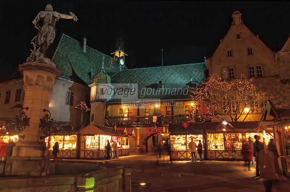 Europe/France/Alsace/68/Haut-Rhin/Colmar: Noël à Colmar - Marché de Noël sur la place de l'ancienne douane ou Koïfhus