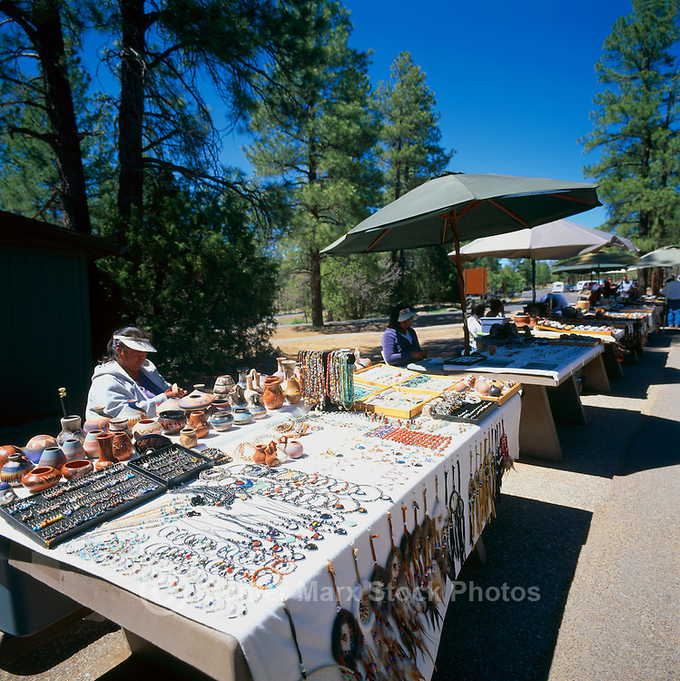 Native crafts oak creek canyon viewpoint arizona az for Native crafts for sale