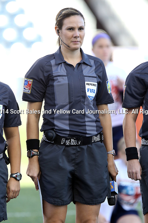 26 October 2014: Fourth Official Sheena Dickson (CAN). The Trinidad & Tobago Women's National Team played the Mexico Women's National Team at PPL Park in Chester, Pennsylvania in the 2014 CONCACAF Women's Championship Third Place game. Mexico won the game 4-2 after extra time. With the win, Mexico qualified for next year's Women's World Cup in Canada and Trinidad & Tobago face playoff for spot against Ecuador.