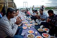 Iftar degli immigrati del Bangladesh
