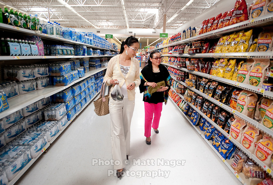 the yuan and walmart Foreign chains such as carrefour, walmart and tesco are piling in  wumart  today has 469 shops with annual sales of 14 billion yuan ($2.