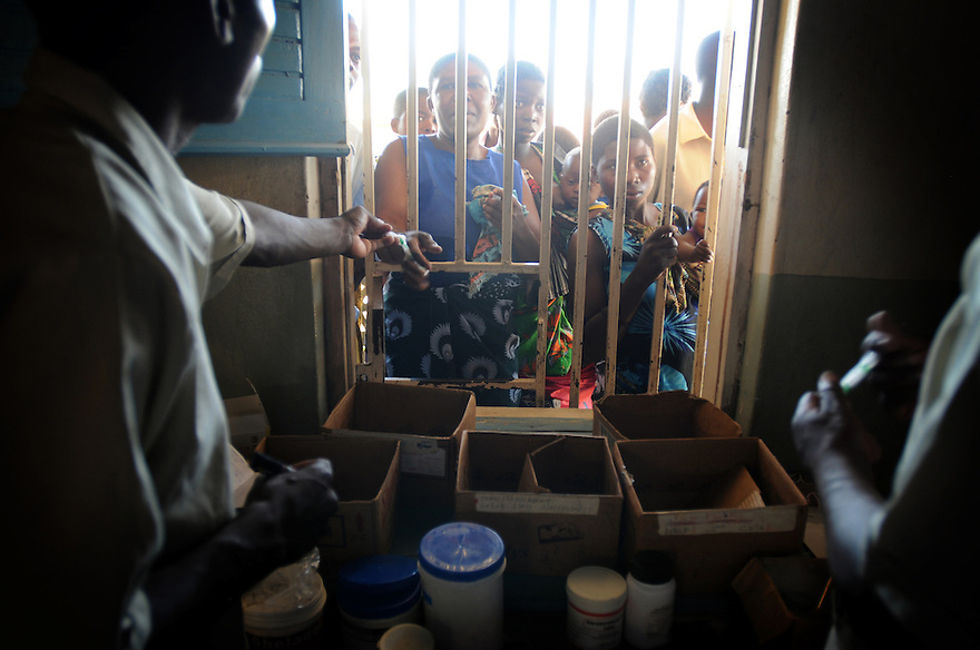 ARV DRUGS ARE DISPENSED AT THE  MULUNGU ALI NAFE HEALTH CENTRE, KAMBALAME VILLAGE, PHALOMBE DISTRICT, MALAWI.  PICTURE BY CLARE KENDALL. 4 /11/12