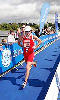 Photo: Richard Lane/Richard Lane Photography. GE Strathclyde Park Triathlon. 22/05/2011. Elite Men winner, Tim Don running.
